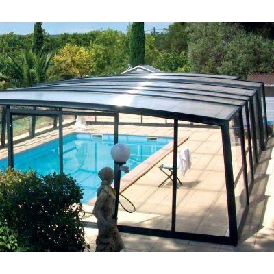 Abri piscine haut : se baigner tout l'année !