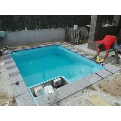 Mini piscine coque GRAF MONTGO