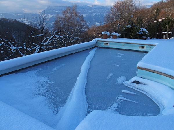 buld-o-bache-piscine-neige