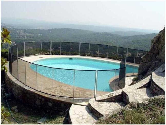 Clôture piscine FILET BEETHOVEN noir + poteaux alu - Distripool