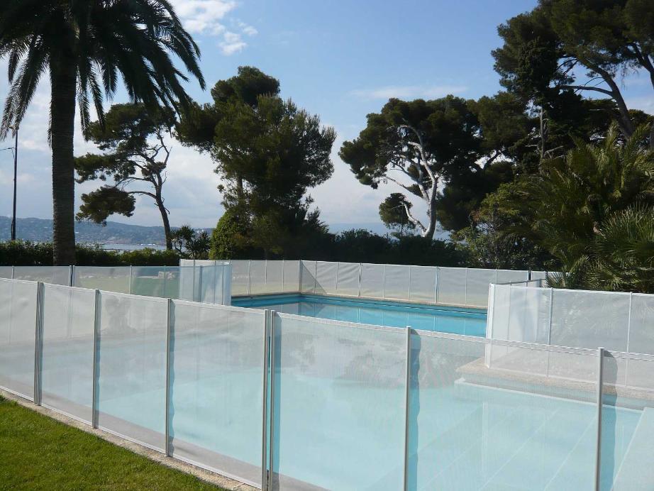Barrière Piscine BEETHOVEN PRESTIGE Version Blanche + Les Poteaux Alu
