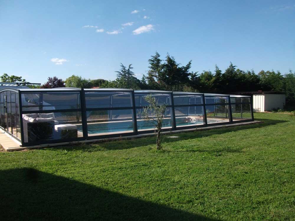 Abri-telescopique-haut-piscine-made-in-france