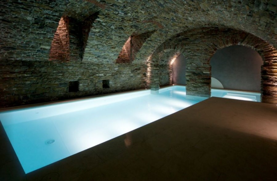 photo-liner-piscine-blanc-nuit