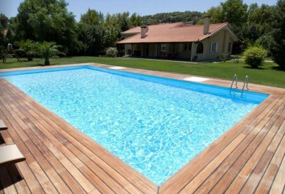 redimensionne__900x615_photo-liner-piscine-bleu-clair-2