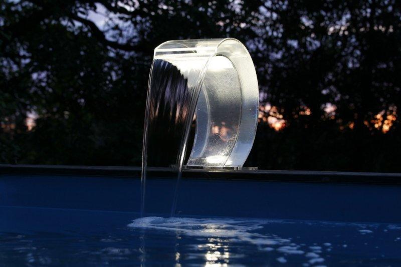 cascade mamba acrylique 2