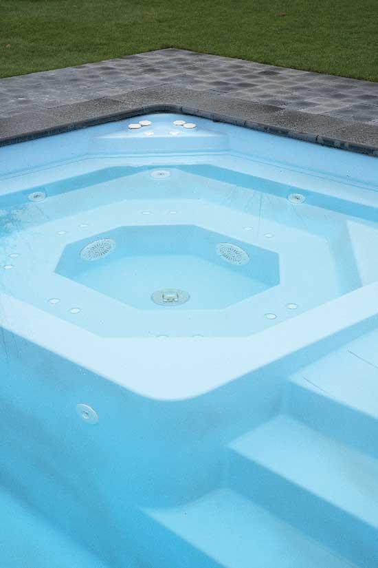 MENPHIS-coque-piscine-2