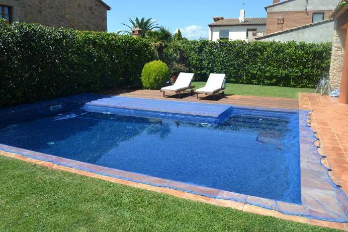 bache piscine anti feuilles et insectes